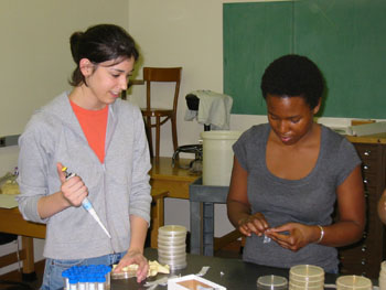 Kristen Hunter-Cevera (left) and Ph.D student Naomi